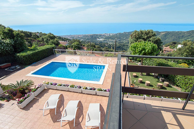 TERRAZA PISCINA BARCELONA - This luxury house in Barcelona has everything you need to enjoy life to the full