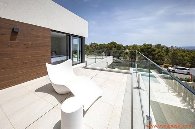 TERRAZA SUPERIOR CASA CON PISCINA ALICANTE - Discover this spectacular house with a pool in Alicante