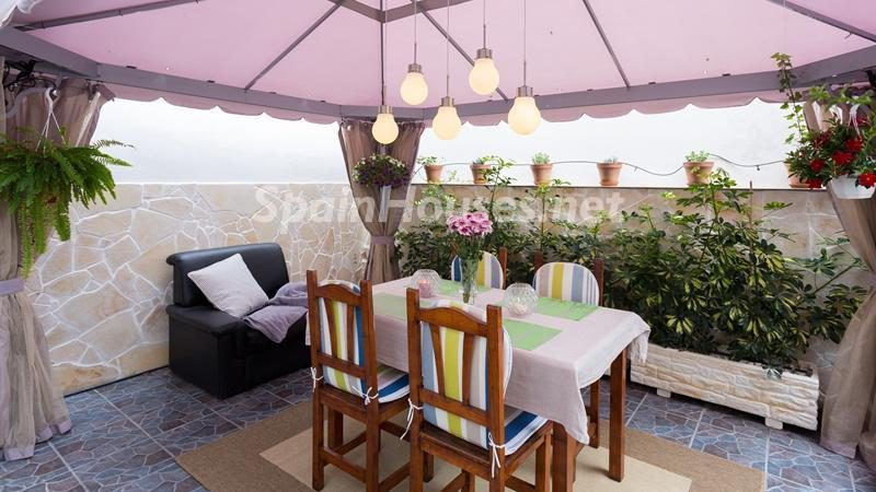 Terraced chalet for sale in Adeje e1493713415417 - 8 Fantastic Homes for Sale in the Canary Islands!