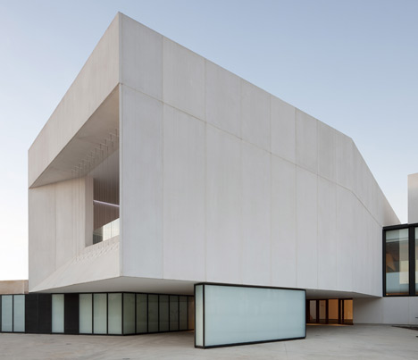Theatre in Almonte3 - Theatre in Almonte, Huelva, by Donaire Arquitectos