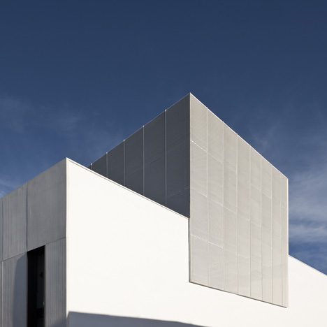 Theatre in Almonte4 - Theatre in Almonte, Huelva, by Donaire Arquitectos