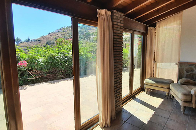 VENTANALES SAYALONGA - Wake up every day with views of the sea and the mountains in this Málaga house