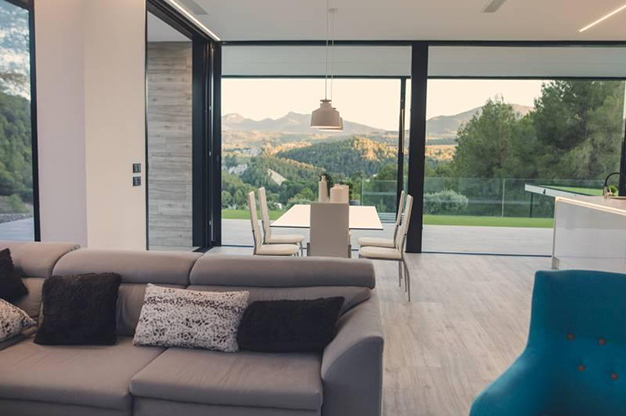 VENTANAS ALICANTE - This countryside house in Alicante will fill you with energy every day