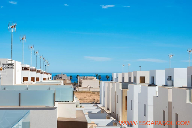 VISTAS ALICANTE - This brand new villa with a pool in Alicante is just perfect for a fresh start