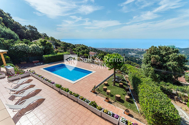 VISTAS BARCELONA - This luxury house in Barcelona has everything you need to enjoy life to the full