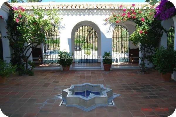 Villa en alquiler de vacaciones en Salobreña l - Vacaciones en Salobreña: Una villa morisca con vistas al Mar Mediterráneo
