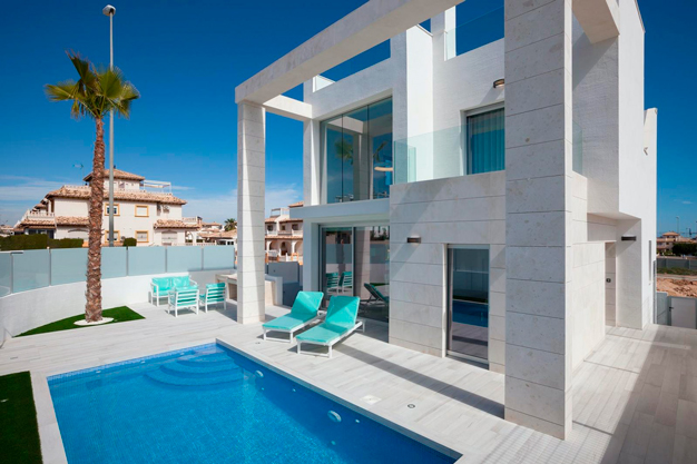 Villa exclusiva en Alicante junto a la playa - Exclusive Villa in Alicante Next to the Beach