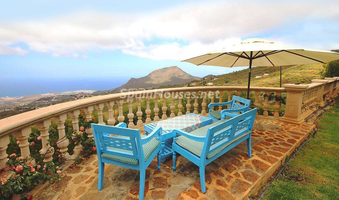 Villa for sale in Arona e1493713310202 - 8 Fantastic Homes for Sale in the Canary Islands!
