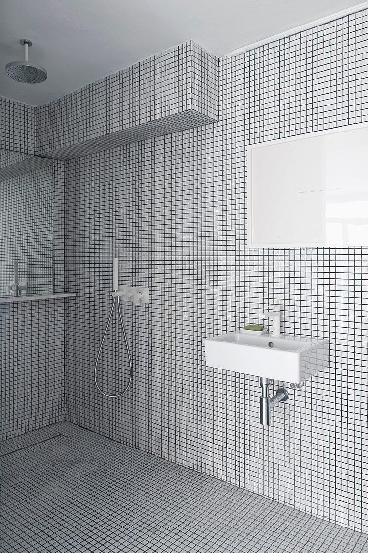 White apartment Barcelona13 - The White Retreat by CaSA
