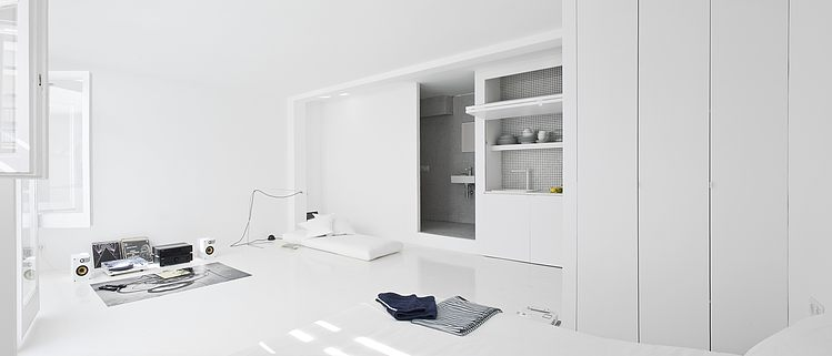 White apartment Barcelona3