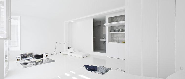 White apartment Barcelona3 - The White Retreat by CaSA