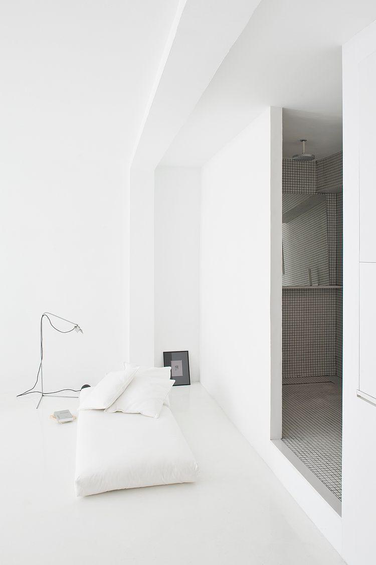 White apartment Barcelona4