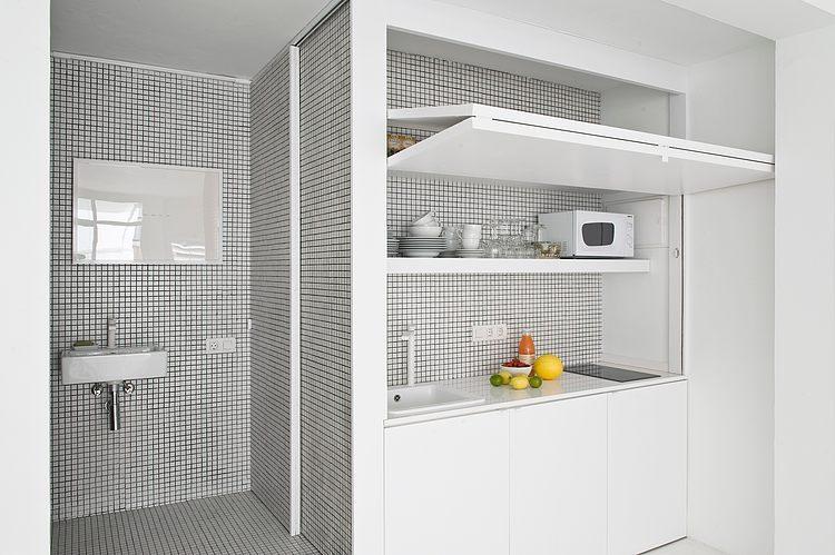 White apartment Barcelona8