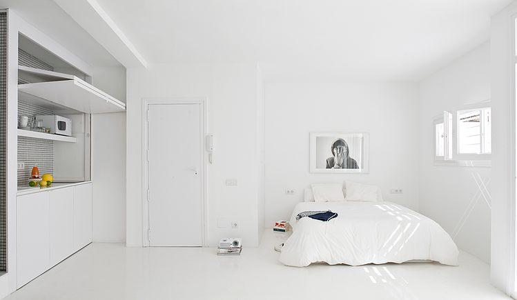 White apartment Barcelona9