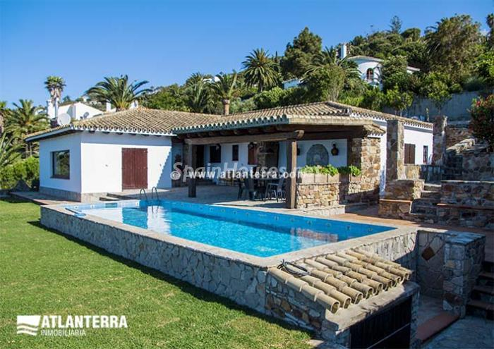 Zahara de los Atunes Cádiz - Holidays in Spain? 6 rental houses with swimming-pool and a stone's throw from the beach
