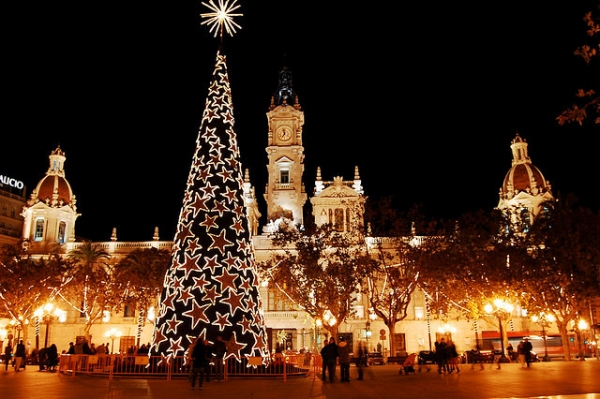 abacoadvisers - The shiniest five cities at Christmas of Spain