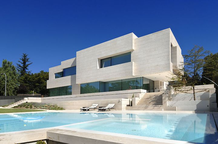 artchitectural house in Madrid