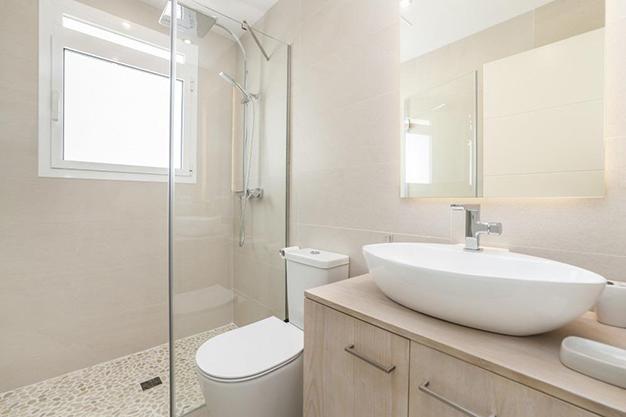 baño2 1 - Exclusive new build home in Majorca