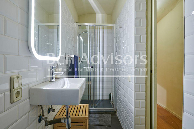 bano 3 barcelona - This spacious flat with a swimming pool in Barcelona is ideal for relaxing and enjoying the city
