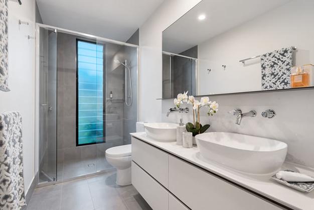 bano ducha - Bathroom renovation: where to spend to make it worthwhile