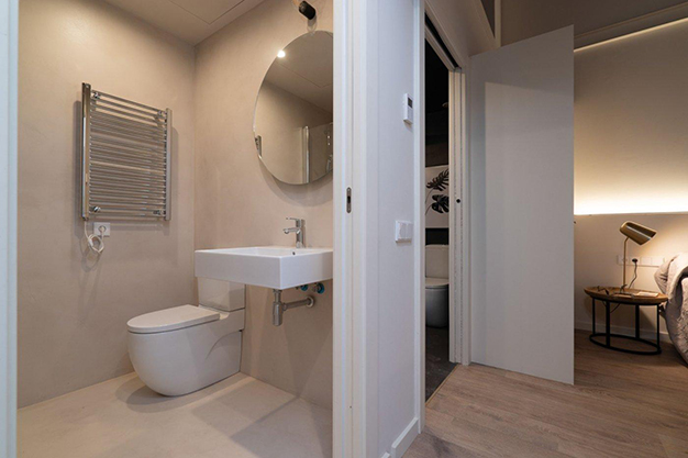 bano raval - Modern apartment in Barcelona city centre ideal for those seeking a unique style