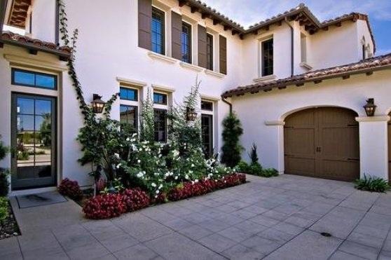 bieber12 - Justin Bieber Buys Home in Los Angeles