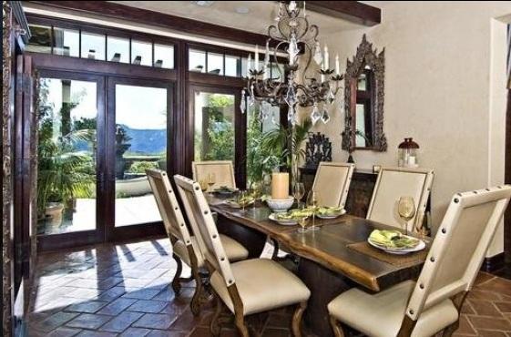 bieber13 - Justin Bieber Buys Home in Los Angeles