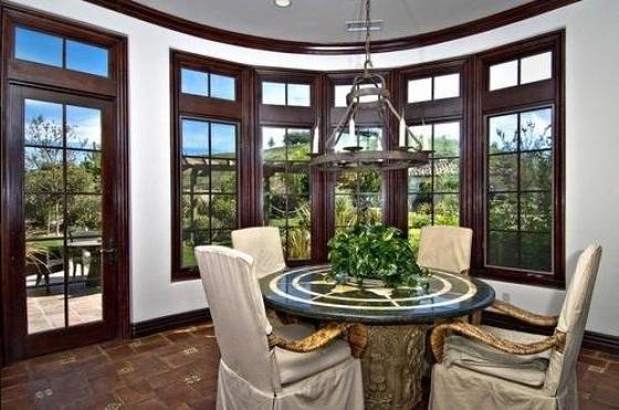 bieber14 - Justin Bieber Buys Home in Los Angeles