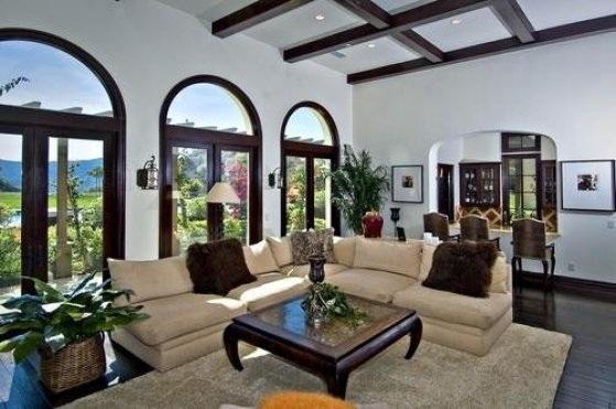 bieber4 - Justin Bieber Buys Home in Los Angeles