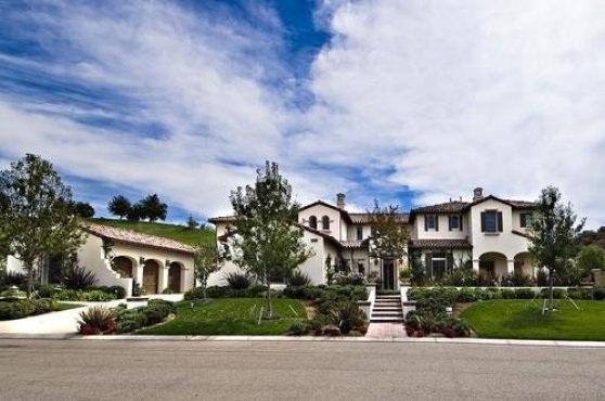 bieber6 - Justin Bieber Buys Home in Los Angeles