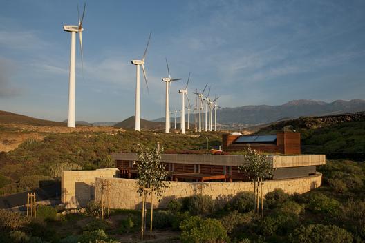 bioclimatic house 2 - Bioclimatic Dwelling in Tenerife by Ruiz Larrea y Asociados