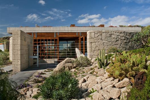 bioclimatic house 3 - Bioclimatic Dwelling in Tenerife by Ruiz Larrea y Asociados
