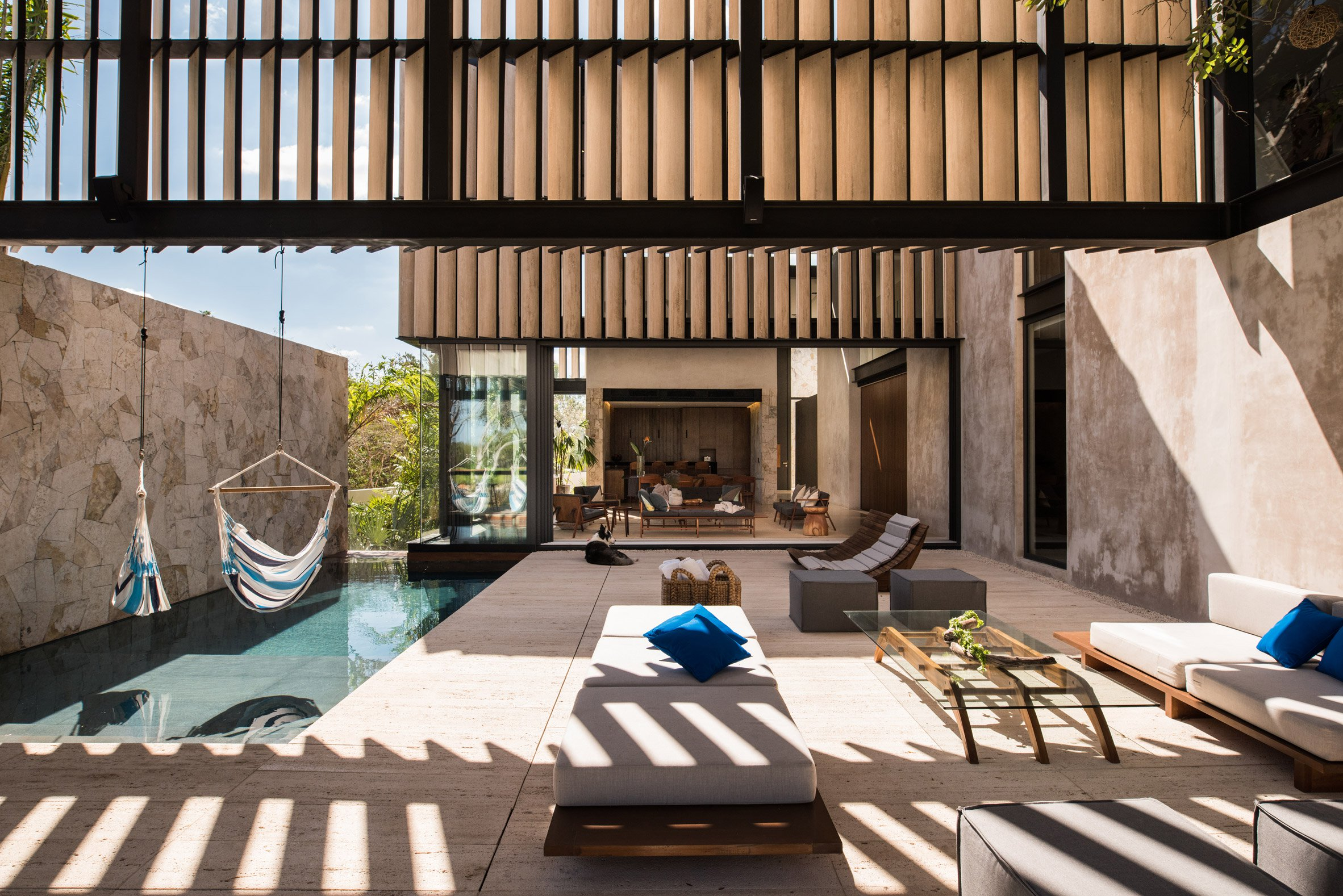 casa chaaltun tescala architects architecture residential houses mexico dezeen 2364 col 0 - Wonderful modern house with slatted marble walls in Mexico