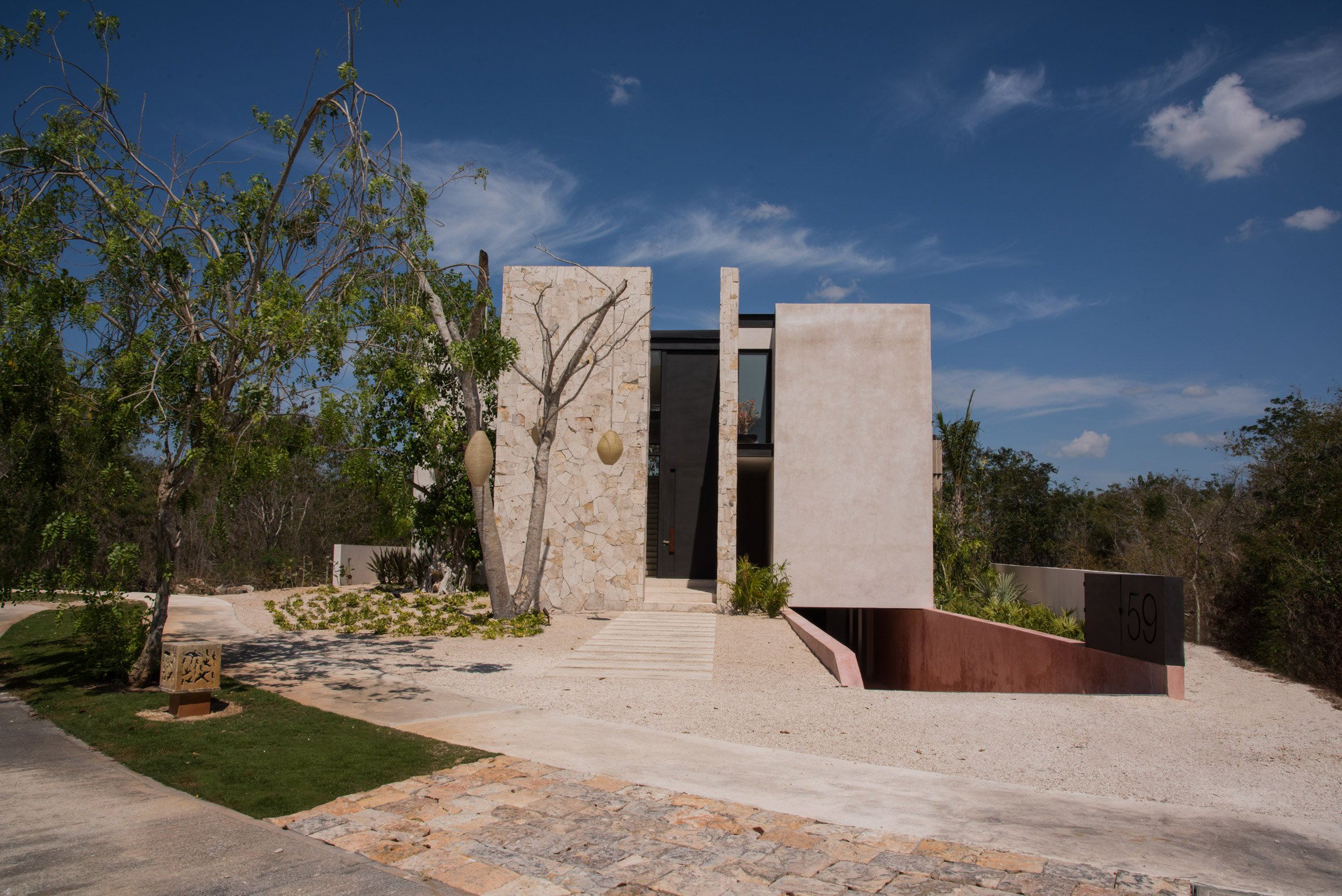 casa chaaltun tescala architects architecture residential houses mexico dezeen 2364 col 10 - Wonderful modern house with slatted marble walls in Mexico