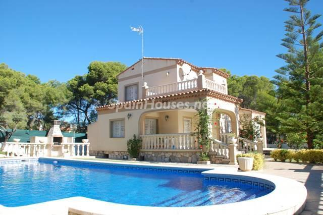 chalet for sale in LAmetlla de Mar - 8 Fantastic homes for sale in Tarragona province