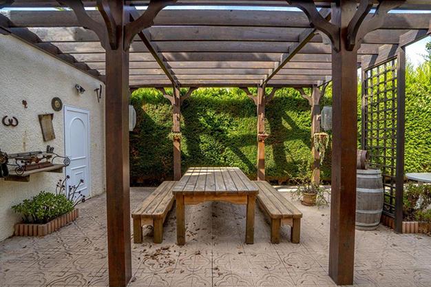 comedor alicante - Enjoy the Nice Weather of Costa Blanca with this Exclusive Alicante Villa