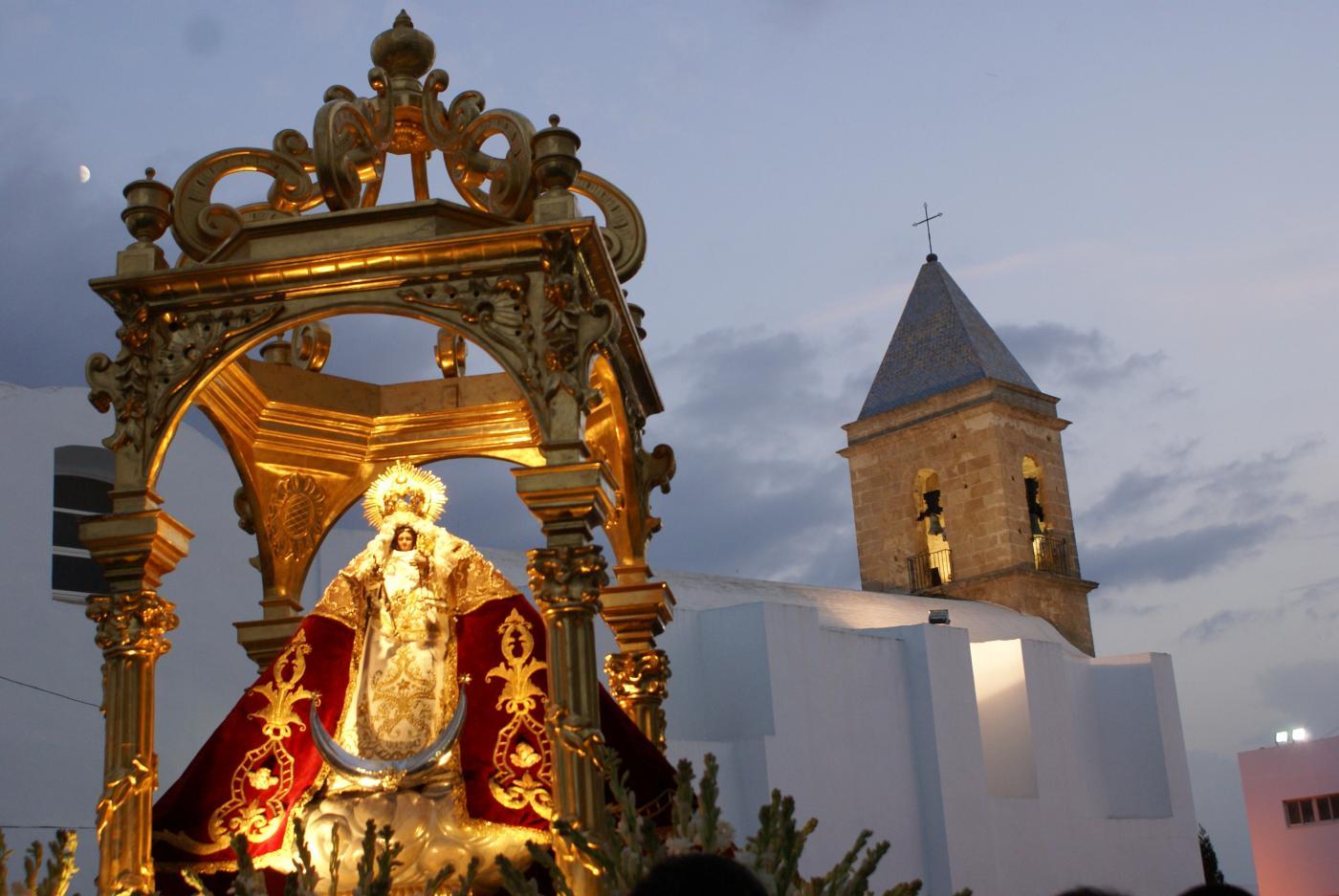 conil se prepara para la feria en honor a su patrona ntra sra de las virtudes - The best feasts to visit Andalusia in Summer 2018