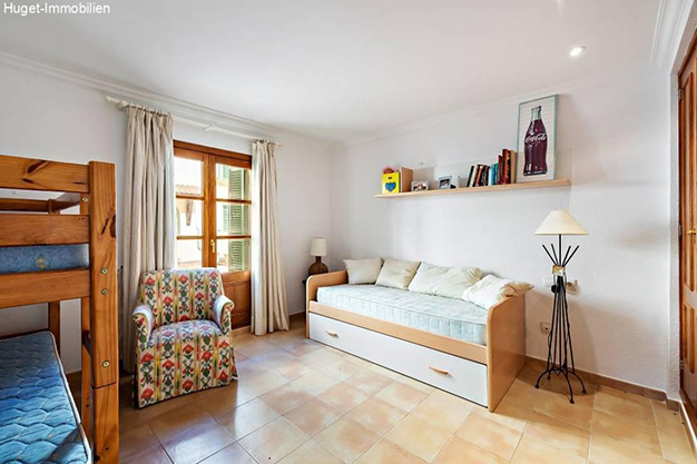 dormitorio 2 3 - Smooth Island Lifestyle in this Beautiful Beachfront Apartment in Mallorca