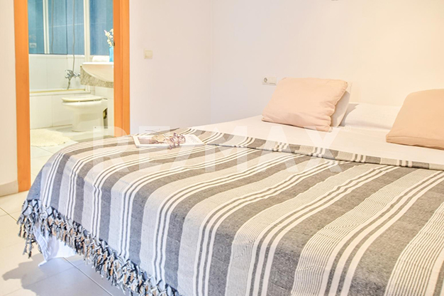 dormitorio principal ibiza - Dream of a luxury flat by the sea in Ibiza?