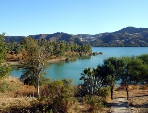 embalse de la viñuela malaga 300x230 - Seeking a solution to the problem of illegal homes in La Axarquia