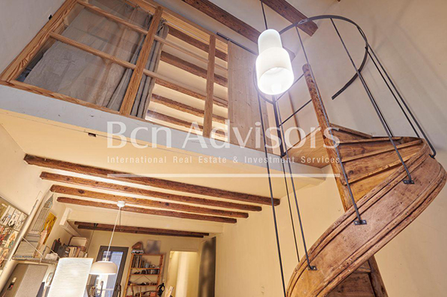 escalera barcelona - This spacious flat with a swimming pool in Barcelona is ideal for relaxing and enjoying the city