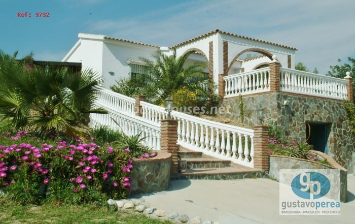 estate for sale in Alhaurín de la Torre Málaga - Country Houses: 7 Estates Under €200,000 in Spain