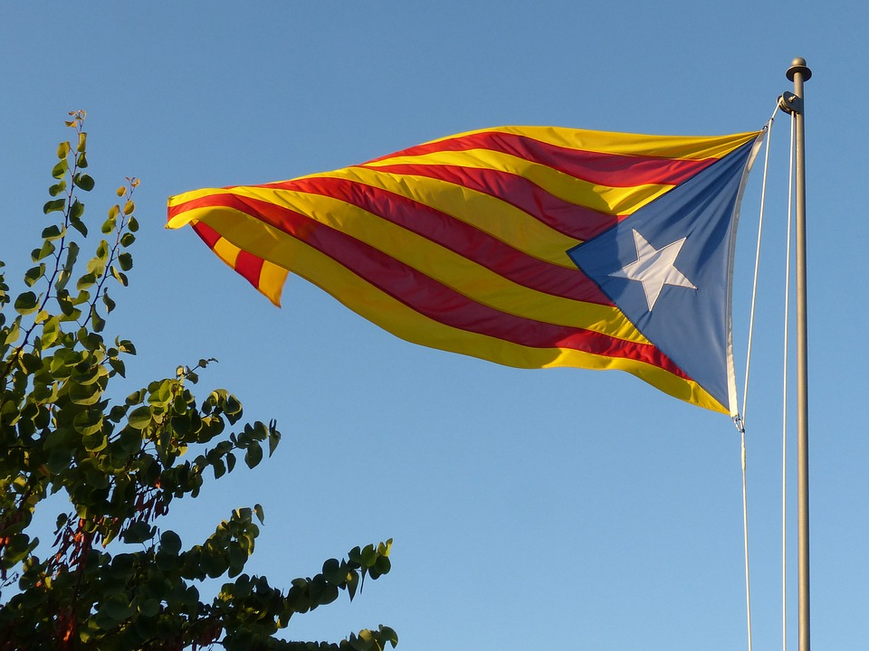 flag 2673579 960 720 - Catalonia's referendum could affect to hotel investment