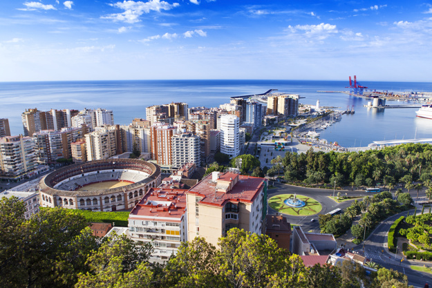 foto de la ciudad desde alto 1216 335 - Seven reasons why you would move to Costa del Sol