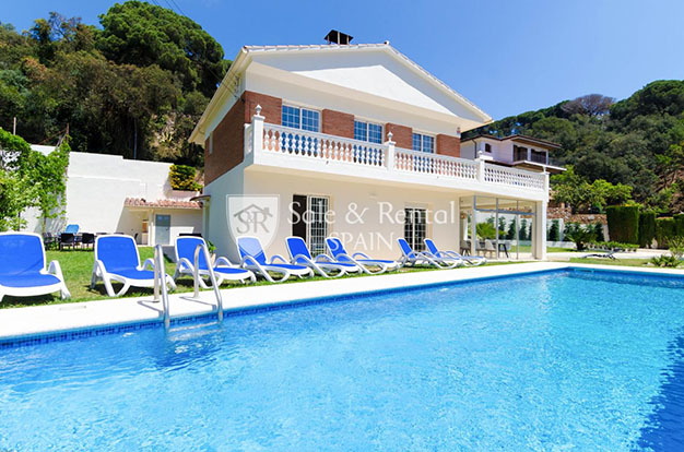 foto piscina chalet con piscina en Gerona - Fantastic villa with pool in Girona: a dream come true