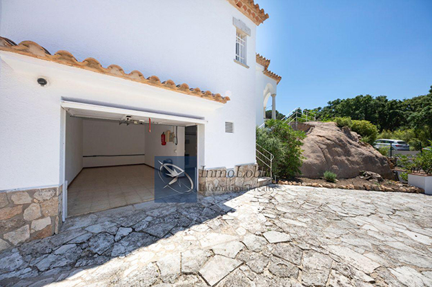 garage - Exclusive home where you can experience the heart of the Costa Brava