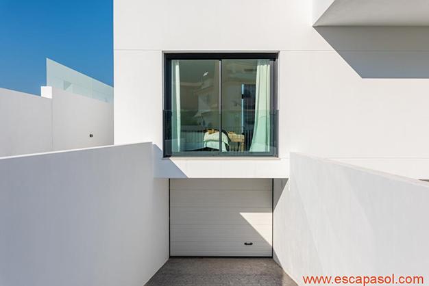 garaje 2 - Luxurious villa in Alicante: luminous and very spacious