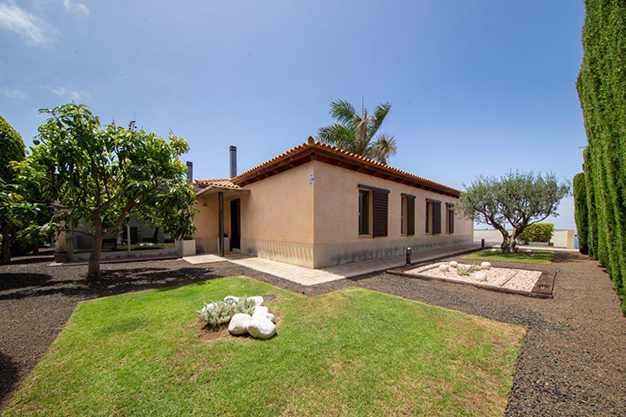 jardín 1 2 - Villa with sea views in Tenerife: your dream home