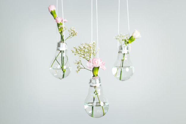 lamparas cristal - Ideas to decorate your home with recycled materials