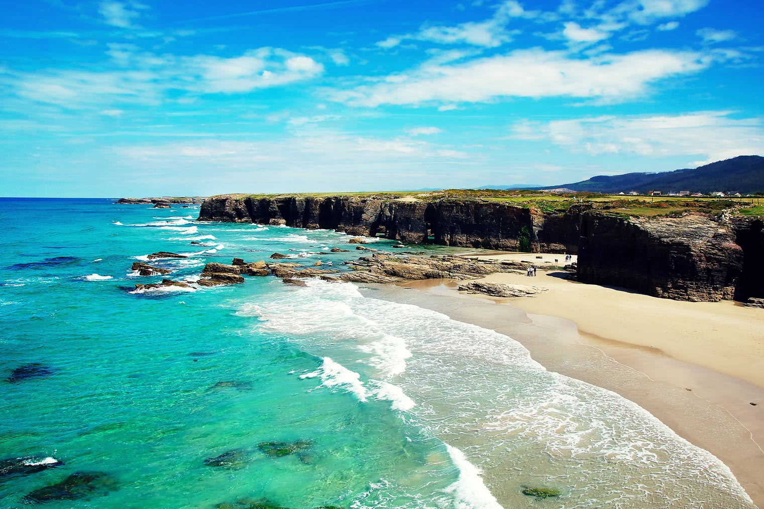 mejores playas espana las Catedrales - The best beaches in Spain to visit during the summer